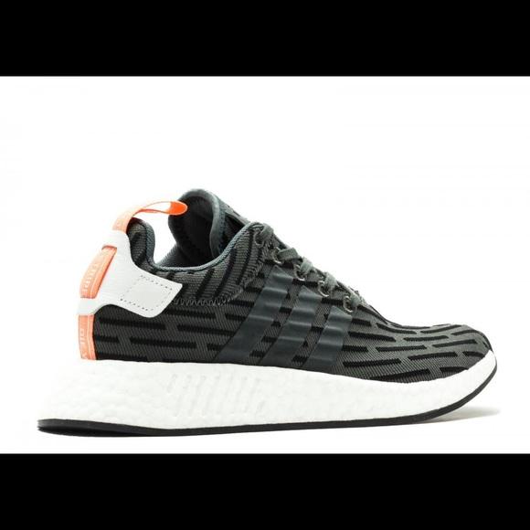 le adidas nwt nmd r2 black scarpe poshmark